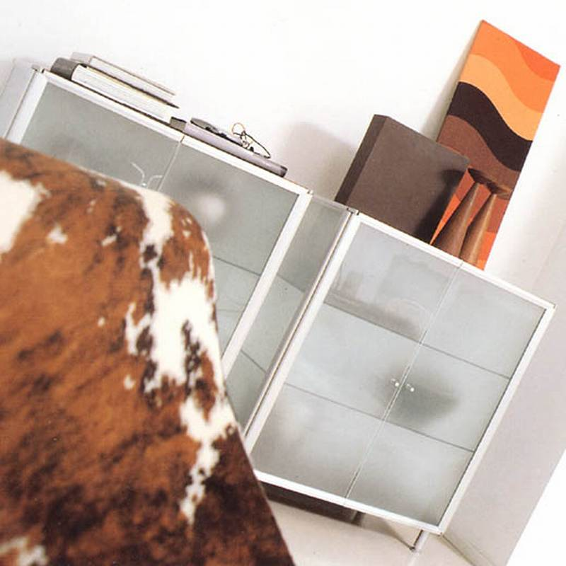 Shine Cabinet from Albed designed by Paolo Bistacchi .