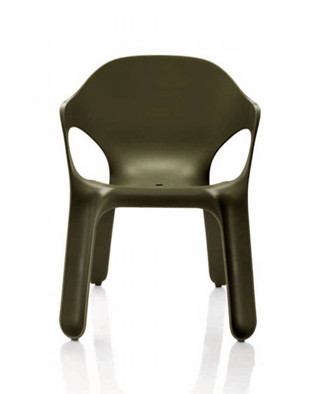 Easy Chair from Magis designed by Jerszy Seymour.