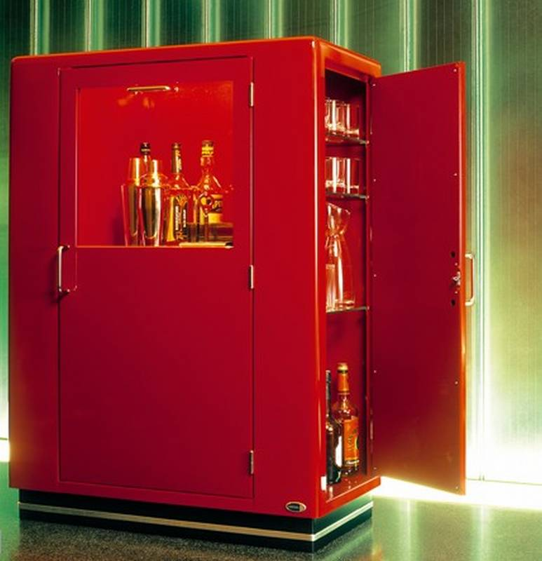 Classic Line Bar Cabinet from Muller.